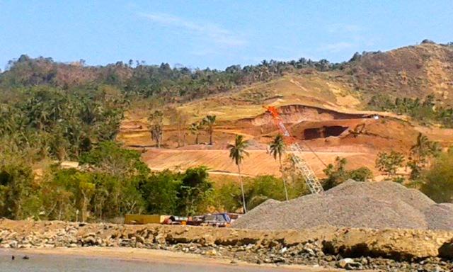 Pulau Bangka yang Luasnya Tidak Sampai 5000 hektar, Dihancurkan PT MMP [Foto: Mongabay]