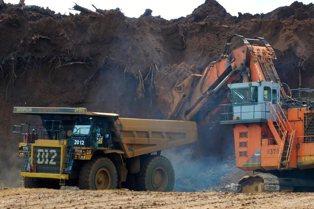Proses penambangan di PT Vale. Foto: Eko Rusdianto
