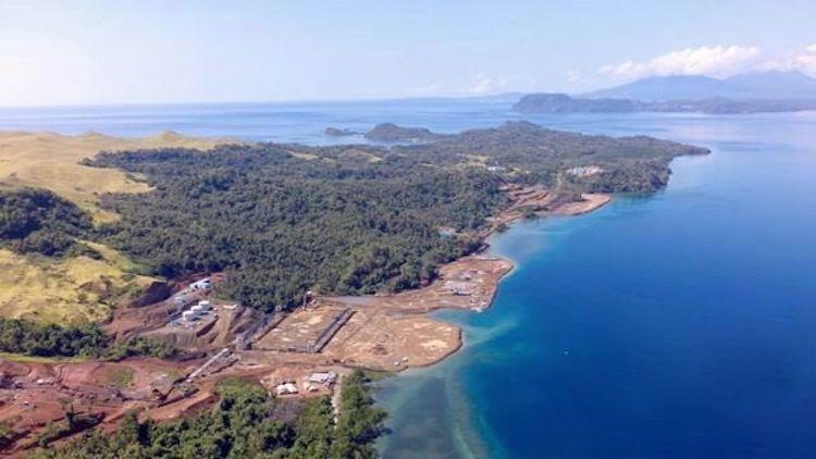 Pulau Bangka yang mulai rusak karena kehadiran tambang. Angin segar kembali hadir, warga menang saat menggugat Kementerian ESDM yang telah mengeluarkan izin produksi kepada perusahaan. PTUN Jakarta Timur memerintahkan, izin itu dicabut. (Foto: Save Bangka Island)