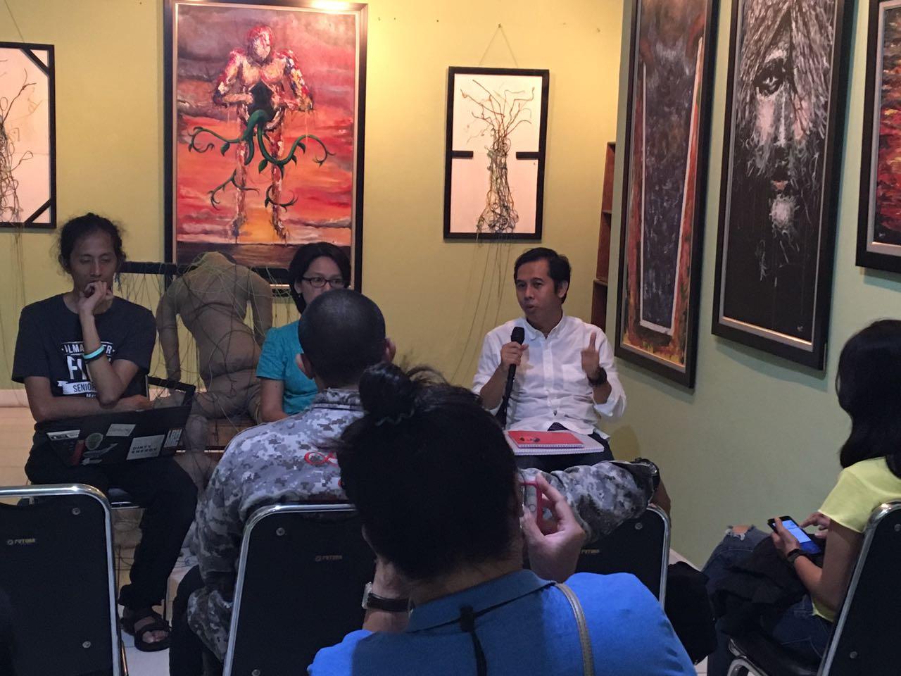 JATAM dan WALHI menggelar konferensi pers di kantor WALHI, 6 Oktober 2017.