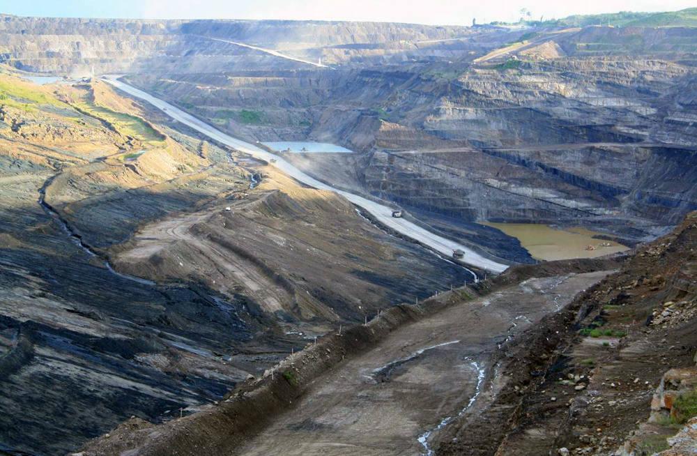 Areal pertambangan PT Kaltim Prima Coal di Kabupaten Kutai Timur, Kalimantan Timur. Foto: JATAM Kaltim; direkam, 12 Februari 2014