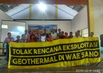 Masyarakat Wae Sano Menggelar Deklarasi Menolak Tambang Panas Bumi di Labuan Bajo, Senin (9/11/2019)